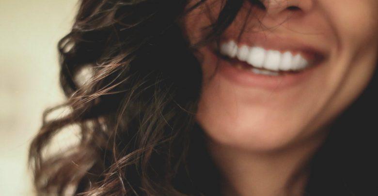 Mulheres fortes riem dos dias que estão por vir